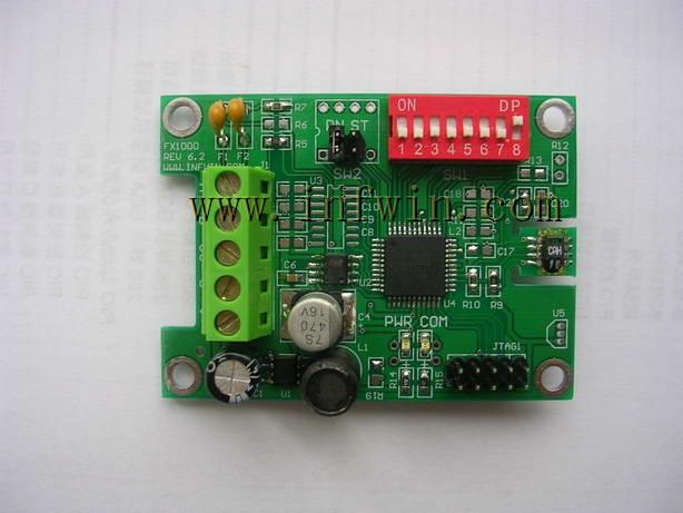 RS485通讯电缆在有干扰或者通讯距离较远时可采用屏蔽双绞线,屏蔽层接地。在长线信号传输时,一般为了避免信号的反射和回波,需要在接收端接入终端匹配电阻。其终端匹配电阻值取决于电缆的阻抗特性,与电缆的长度无关。RS-485一般采用双绞线(屏蔽或非屏蔽)连接,终端电阻典型值为120Ω。在实际配置时,在电缆的两个终端节点上,各接入一个终端电阻。RS485网络的规范1.
