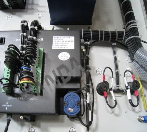 xk-cx2开关柜智能操控装置 xk-cx2 开关柜智能操控装置(接线图);三达